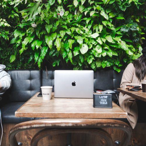 arbeiten im cafe